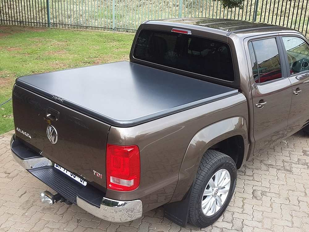 rigidek laderaumabdeckung vw amarok ab 2010 double cab. Black Bedroom Furniture Sets. Home Design Ideas