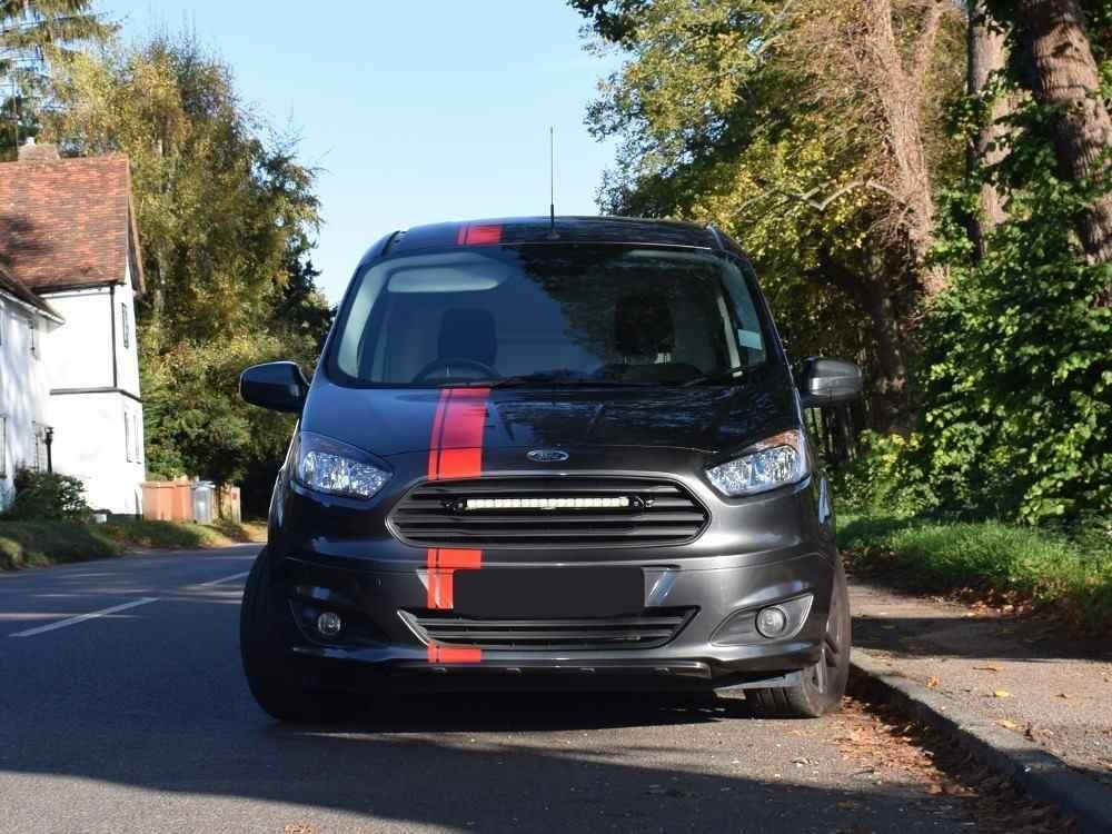 Lazer Lamps Kühlergrill-Montagesatz Ford Transit Courier / Tourneo Courier inkl. Linear-18 Elite